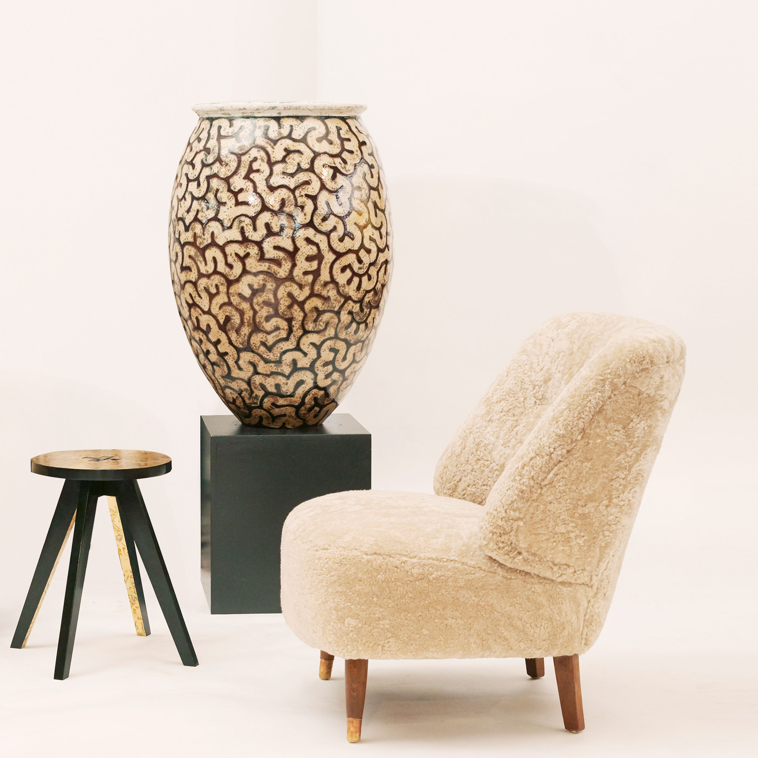 Modern design, ceramics and furniture