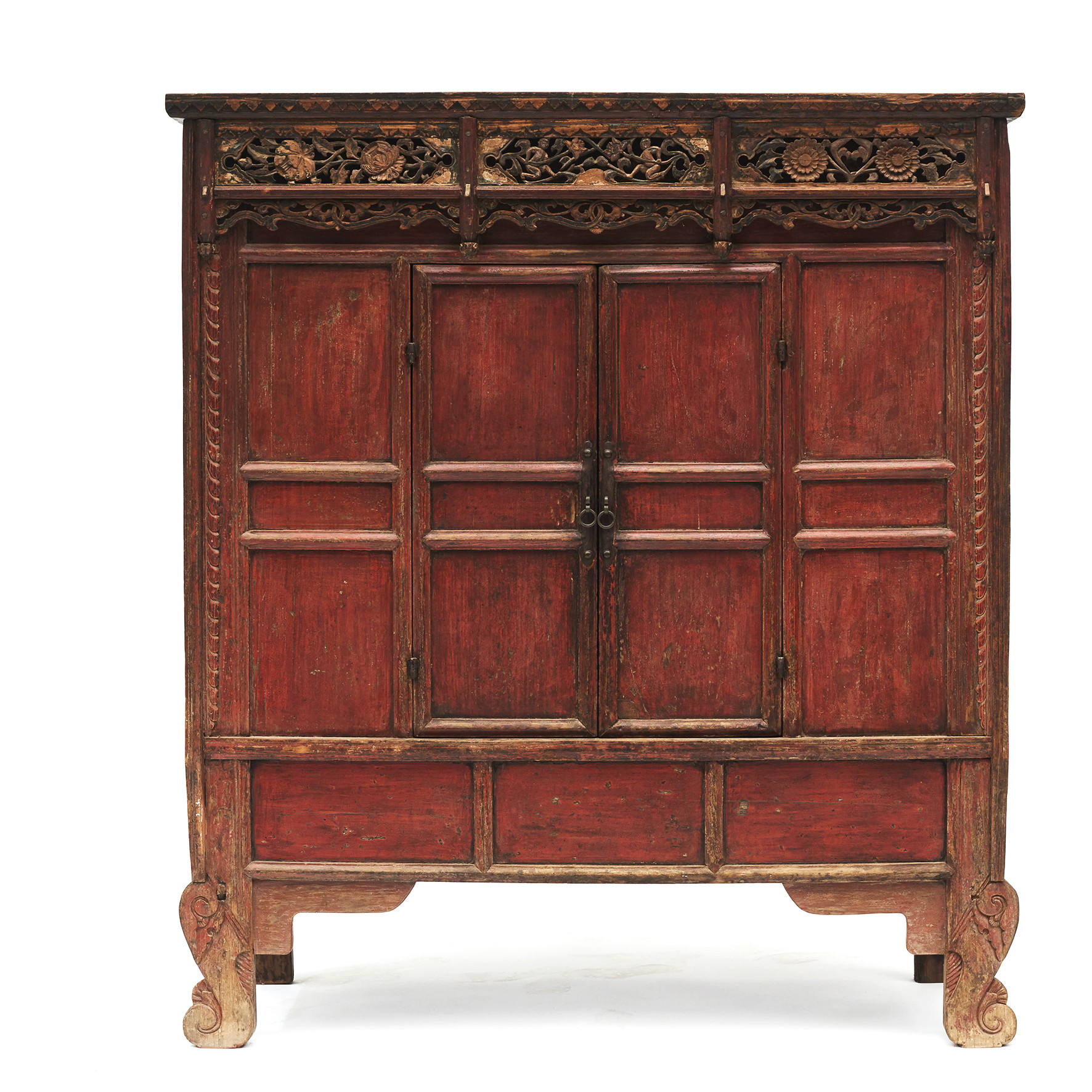 Rare and well-preserved 15-16th century Ming dynasty cabinet