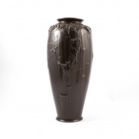Japanese Meiji period dark patinated bronze vase