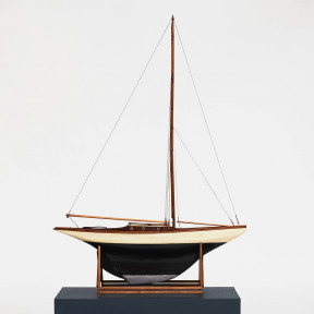 """Pond Yacht"" model ship"